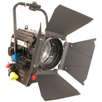 Fresnel 7inch 2kw w/barndoors + color frame - no lamp - no plug