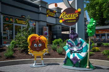 Reese's Cupfusion Dark Ride - Hersheypark, Hershey, PA exterior front with photo op with characters Commander Cup and Mint the Merciless